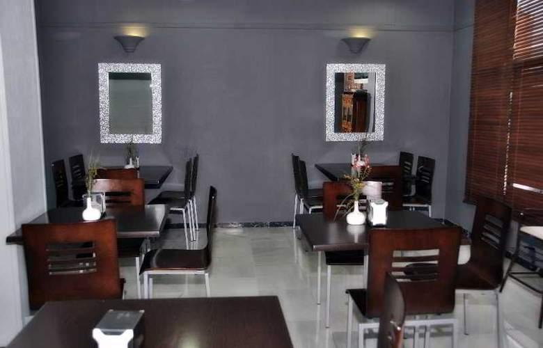 Doña Carmela Sercotel - Restaurant - 7