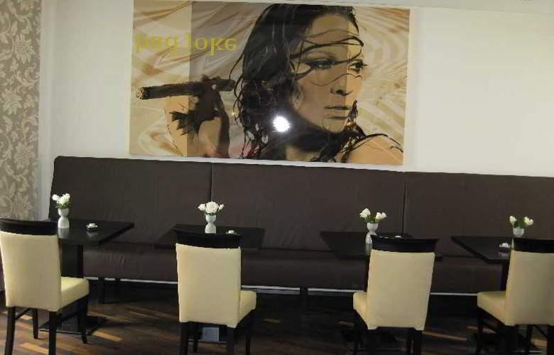 Best Western Plus Amedia Art Salzburg - Restaurant - 25