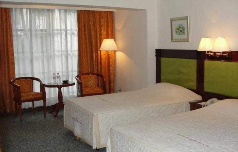 Imperial Garden Villa & Hotel Phnom Penh - Room - 17