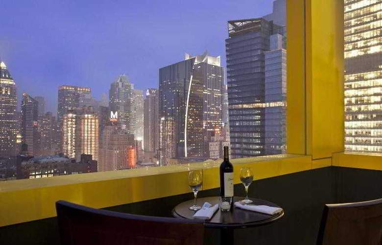 Four Points by Sheraton Midtown Times Square - Bar - 6