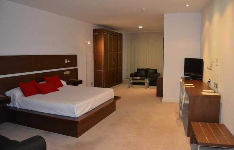 Sercotel Odeon - Room - 2