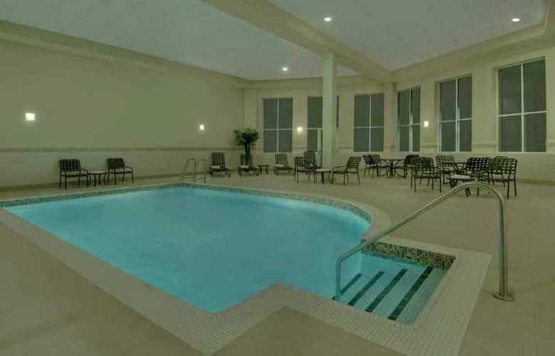 Hilton Garden Inn Ottawa Airport - Hotel - 2
