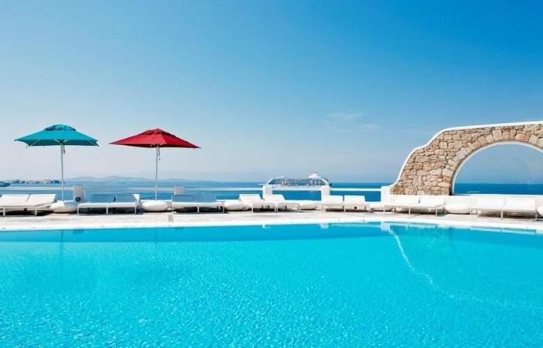 Kouros Hotel & Suites - Pool - 2
