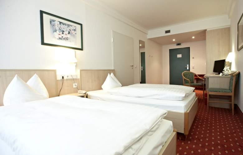 Intercity Hotel Schwerin - Room - 1
