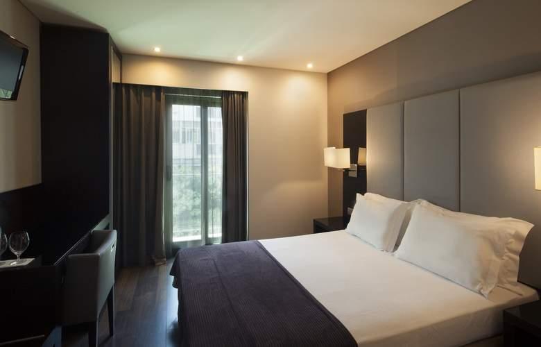 Turim Luxe - Room - 8