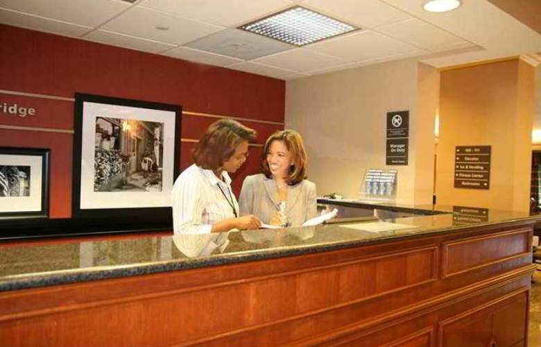 Hampton Inn Potomac Mills/Woodbridge - Hotel - 1