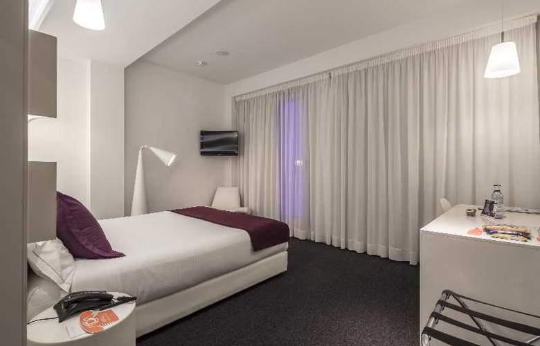 Room Mate Emma - Room - 8