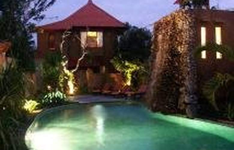 Tunjung Mas Bungalow - Pool - 7