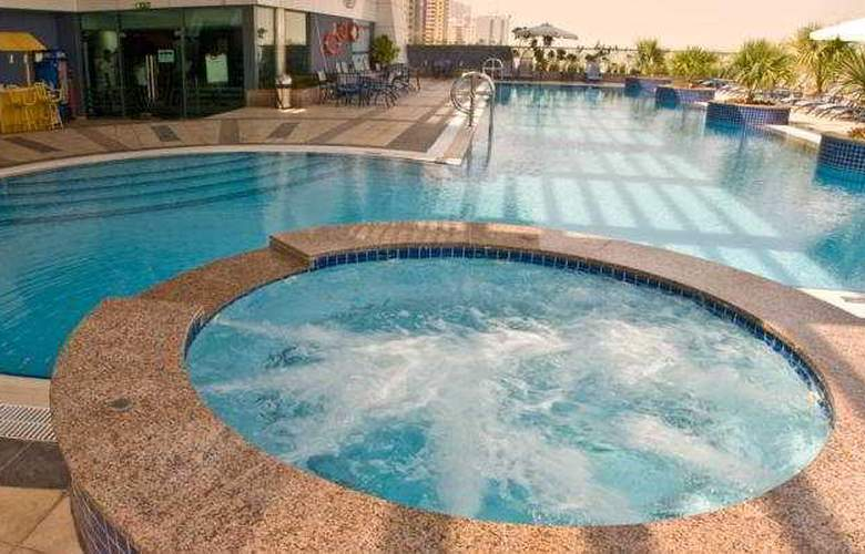 Chelsea Tower Apartment - Pool - 3