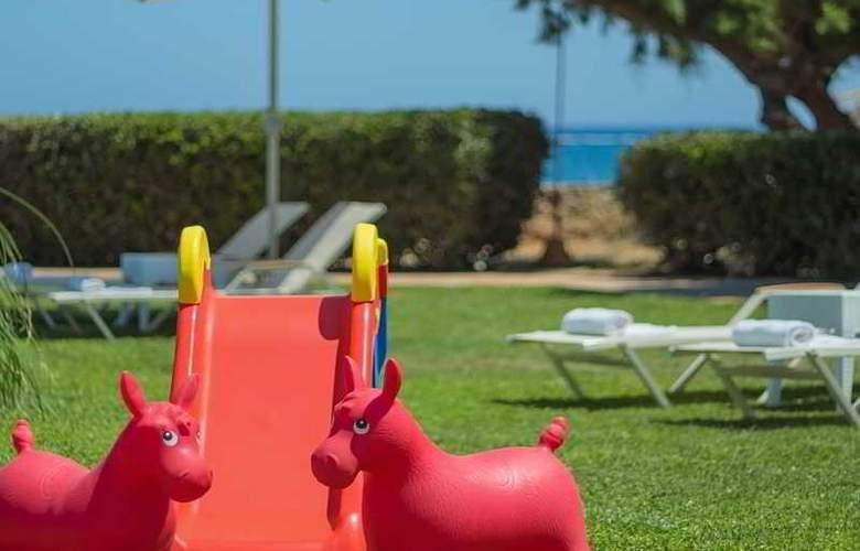 Pyrgos Beach Apartments - Hotel - 3