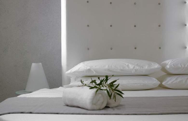 Splendour Resort - Room - 3