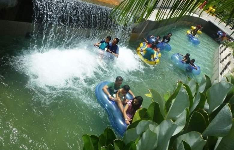 Caribbean Bay Resort-Bukit Gambang Resort City - Hotel - 5