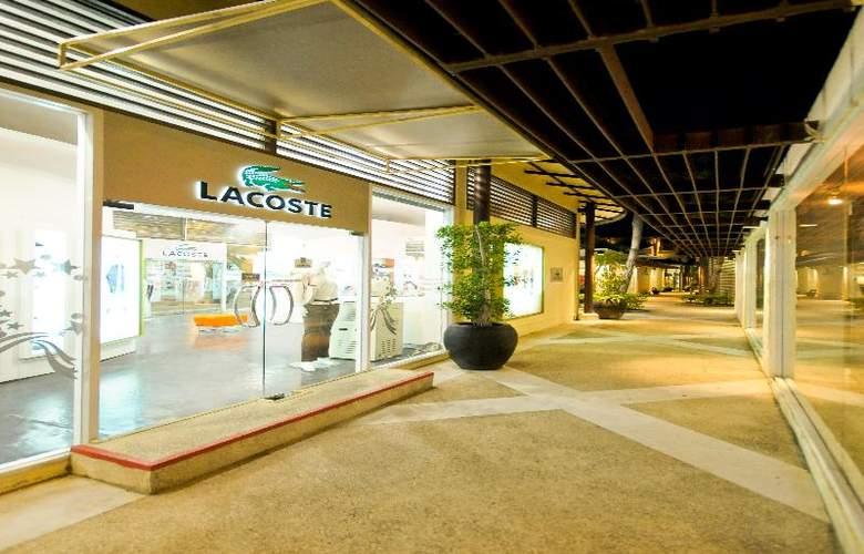 Iyara Beach Hotel & Plaza - Hotel - 4