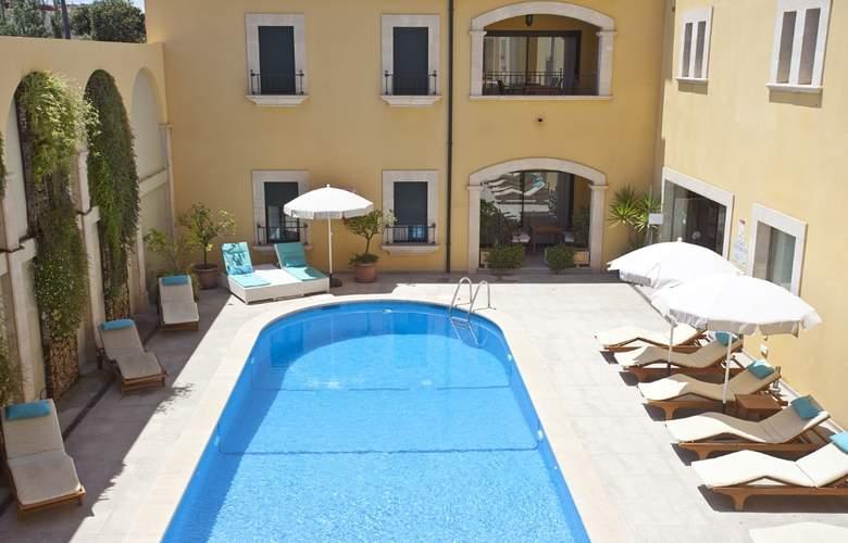 Galeon Suites - Pool - 2
