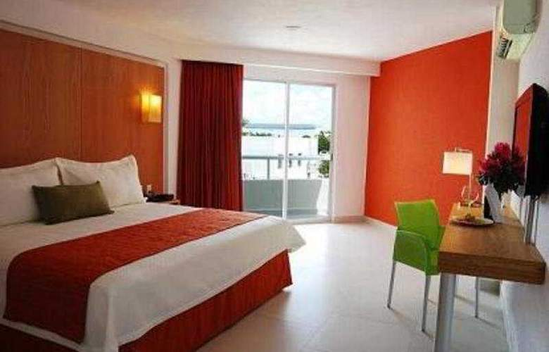 Ramada Cancun City - Room - 3