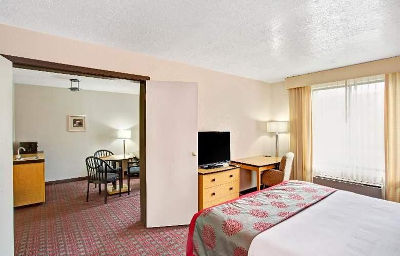 Ramada Salt Lake City Airport - Room - 11