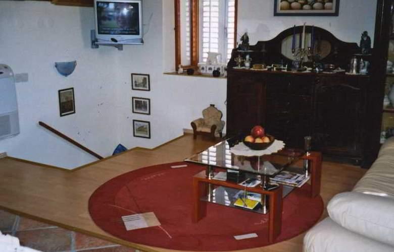 Apartments Villa Maja - Room - 9