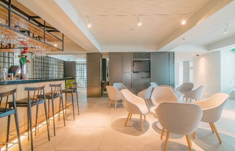 Aqualuz - Suite Hotel Apartments - Bar - 19