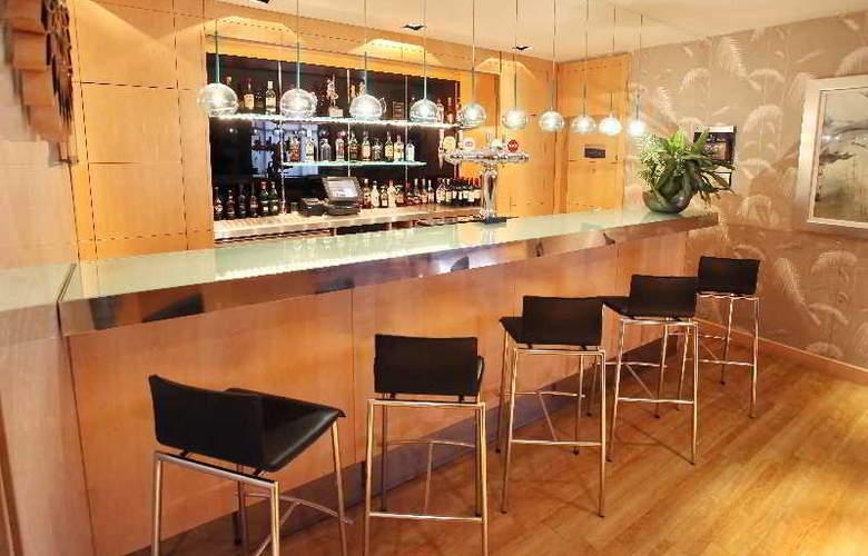 Holiday Inn Express Redditch - Bar - 4