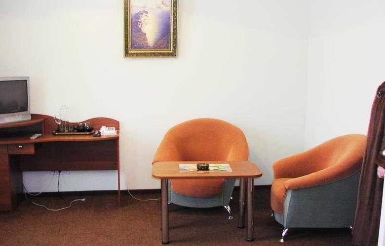 Dnepr Hotel - Room - 5