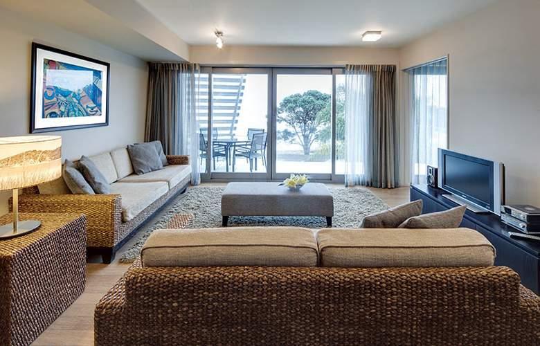 Sea Spray Suites - Room - 21