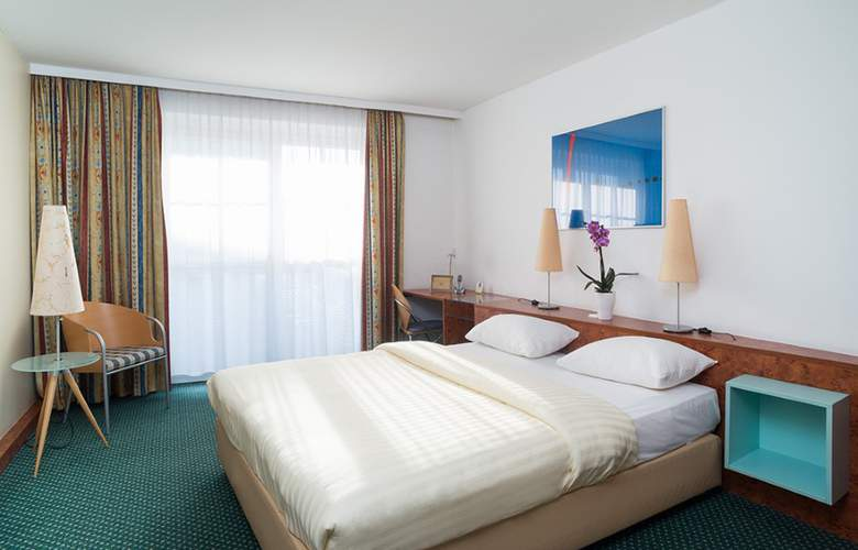 Star Inn Hotel Premium Graz, by Quality - Room - 4