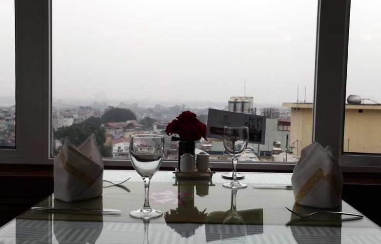 Flower Hotel - Restaurant - 12