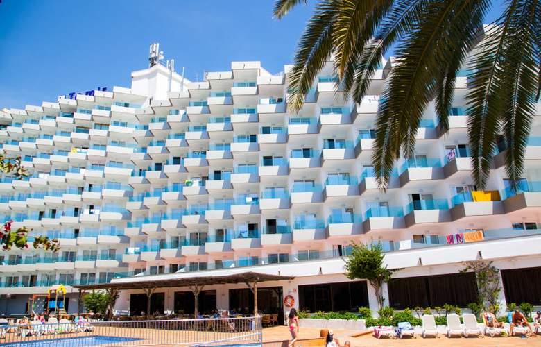 Ola Aparthotel Tomir - Hotel - 13