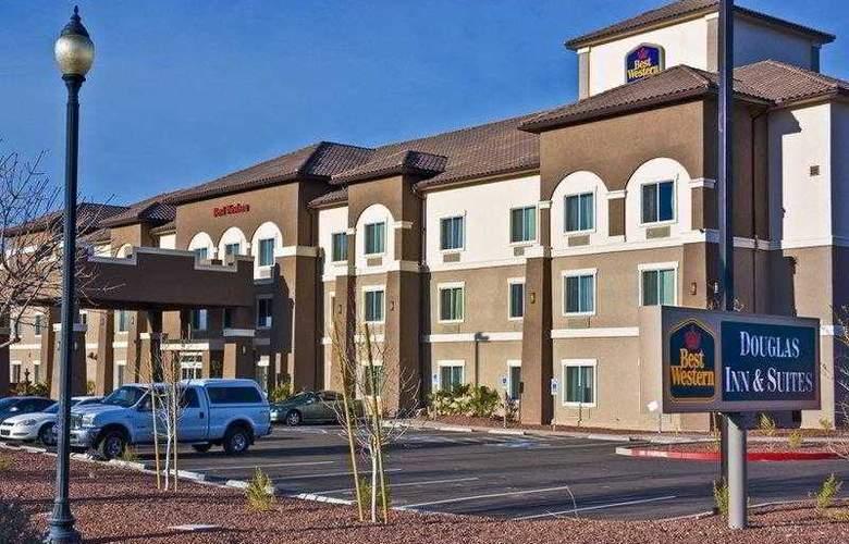 Best Western Douglas Inn & Suites - Hotel - 0