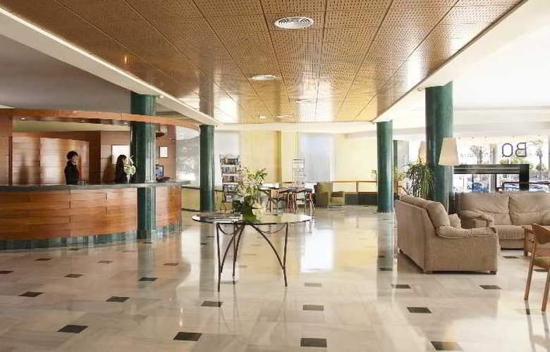 BQ Andalucia Beach - Hotel - 4