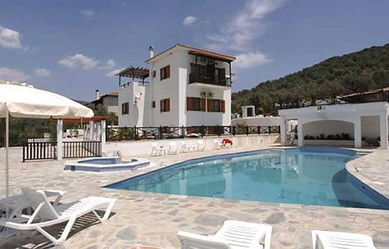 Seralis - Hotel - 0