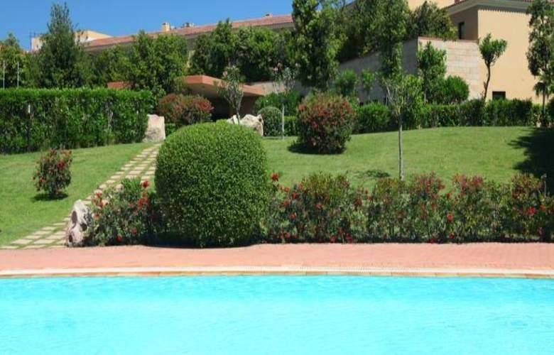 Geovillage Sport & Wellness Resort - Pool - 17