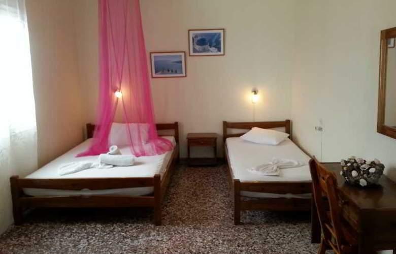 Pension Livadaros - Room - 1