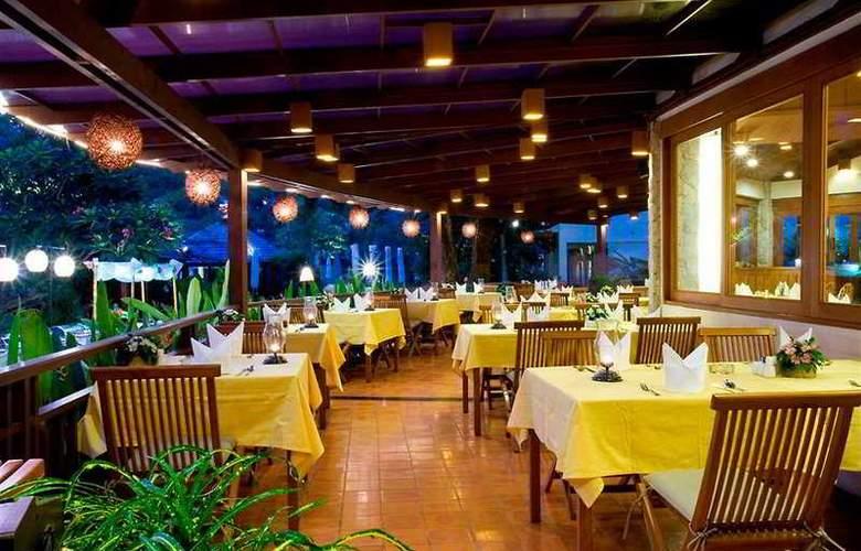 Woodlands Hotel and Resort - Restaurant - 4