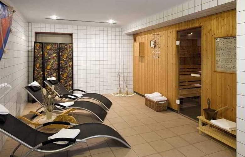 Quality Hotel Hof - Pool - 0