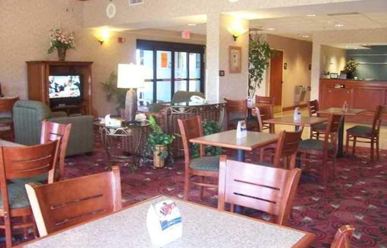 Hampton Inn Brookhaven - Hotel - 4