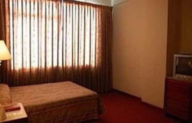 Great Eastern Hotel Makati - Room - 5