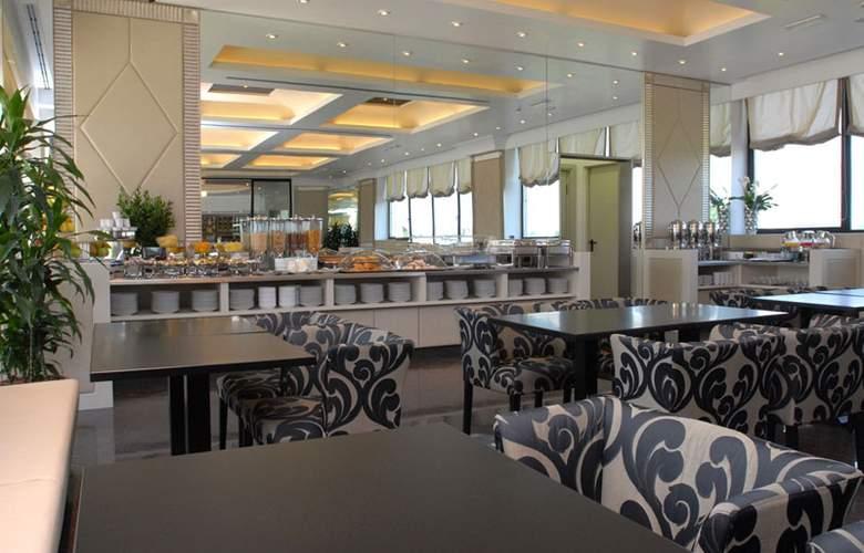 Grand Hotel Duca Di Mantova - Restaurant - 32