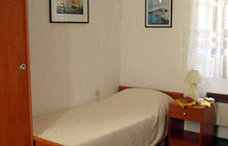 Apartman Poluotok - Room - 2