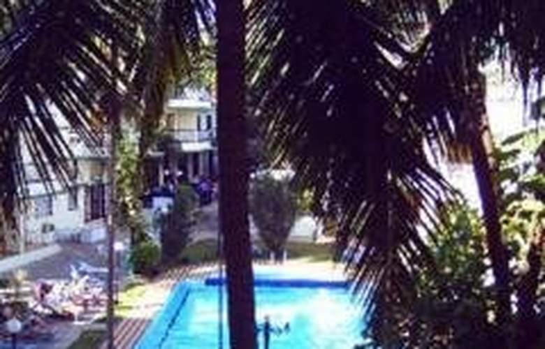 Prazeres Resort - Pool - 0