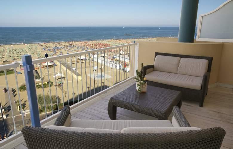 Savoia Hotel Rimini - Terrace - 32