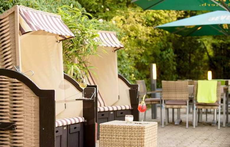 Park Inn by Radisson Hamburg Nord - Terrace - 19