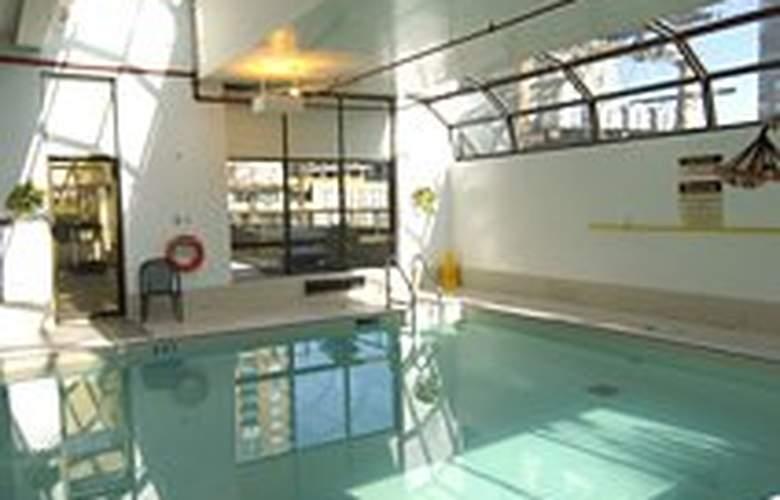 Landis Hotel Suites - Pool - 3