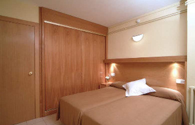 Aparthotel Bertran - Room - 6