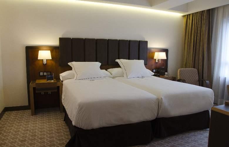 Claridge - Room - 2