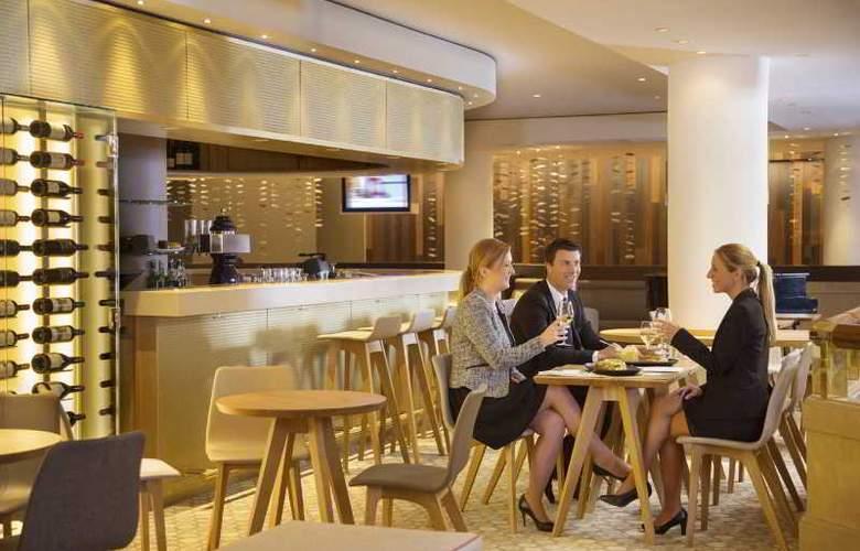 Movenpick Hotel & Casino Geneva - Bar - 18
