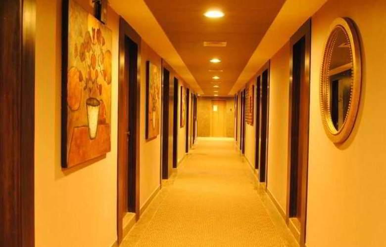 Vesta Maurya Palace - Room - 11