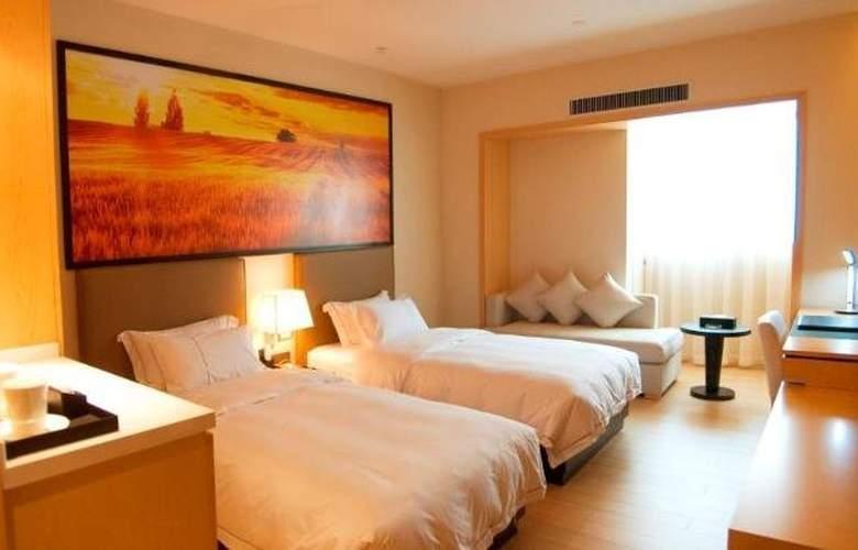 J Hotel - Room - 3