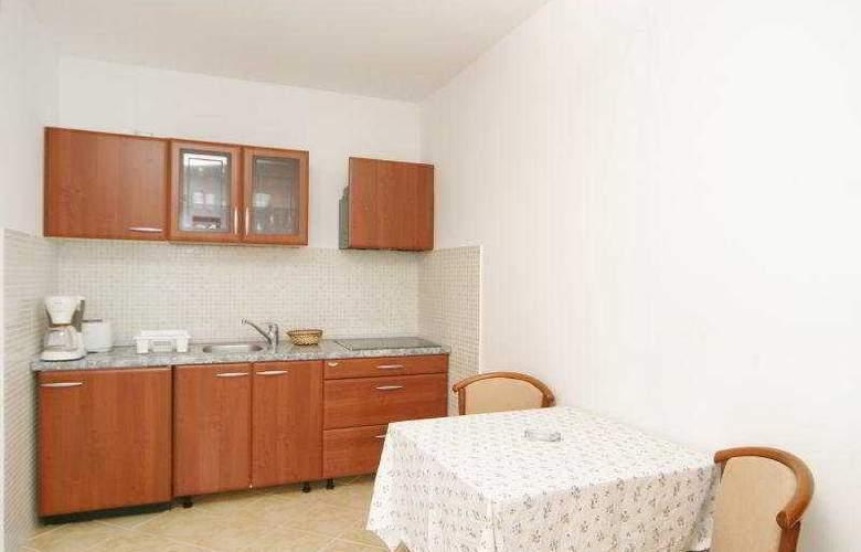 Villa Pucisca - Room - 6