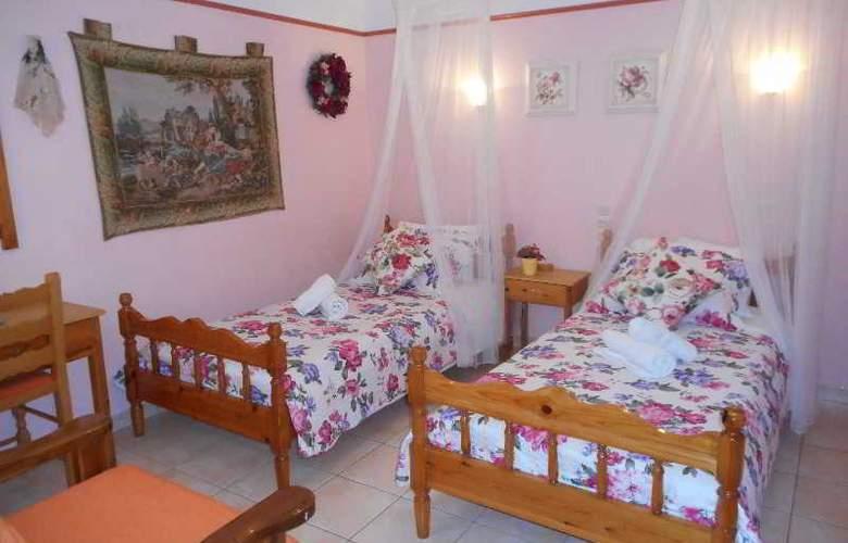 Galazios Kolpos Pension - Room - 28